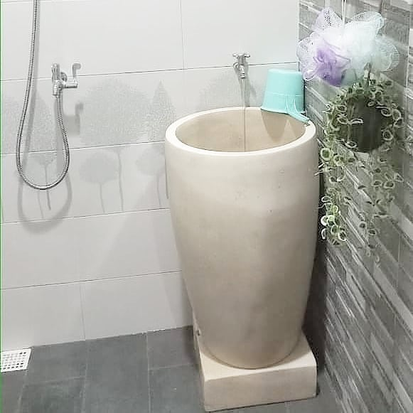 Bak-mandi-unik-model-gelas-tinggi